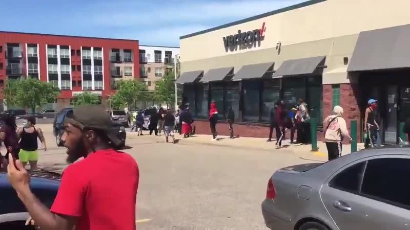 Негры грабят магазины 28 мая 2020