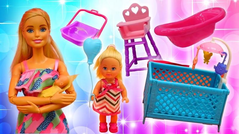 Barbie ve Sevcan ile kız oyunları Steffie yeni doğmuş bebek için alışverişe gidiyor