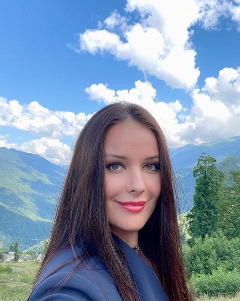 Вот так выглядит Оксана Федорова сейчас, напомним, ей 42.