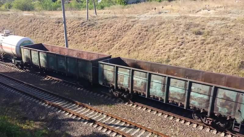 2ТЭ10М 2653 с грузовым поездом на перегоне Новосавицкая Тирасполь