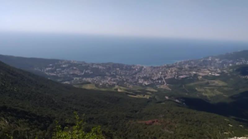 Прогулка в горах Крыма ялтинский заповедник горное озеро и колоритный таксист