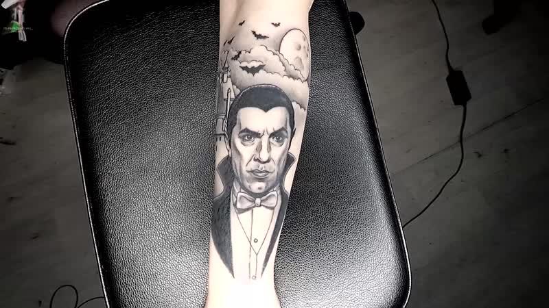 Татуировка с Белой Лугоши в роли Дракулы в фильме 1931 го года Tattoo with White Lugosi as Dracula in the 1931 film