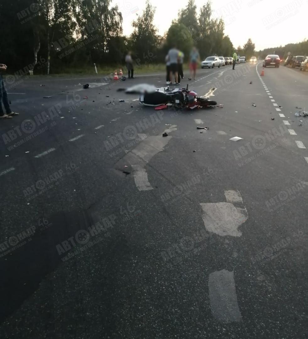Под Курском в столкновении с КАМАЗом погиб мотоциклист