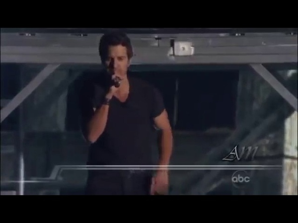 Luke Bryan - Country Girl (Shake It For Me) at the CMAs
