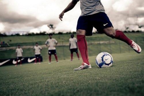 Фото парень футболист без лица