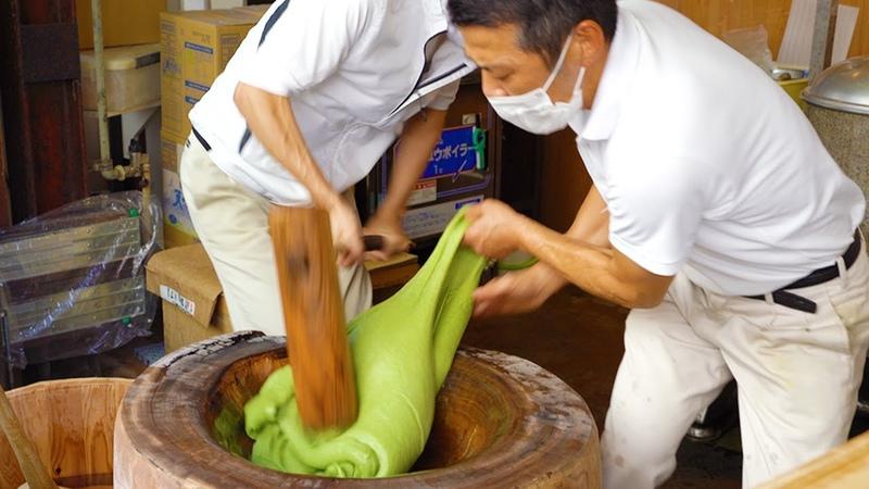 【日本一の高速餅つき‼️】職人技・早業 中谷堂 SUPER FAST MOCHI (Rice Cake)POUNDING Japanese Street Food65372