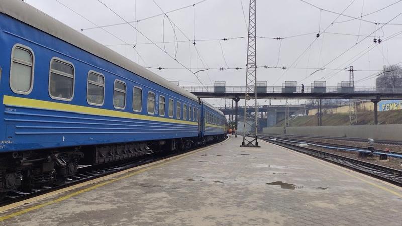 Электровоз ВЛ82М-050 прибывает с пассажирским поездом ✓12 Ивано-Франковск-Константиновка