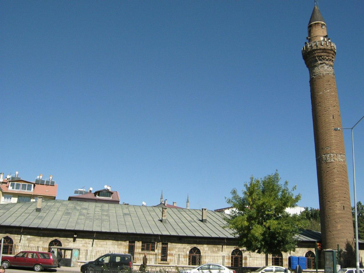 старинная соборная мечеть в Сивасе