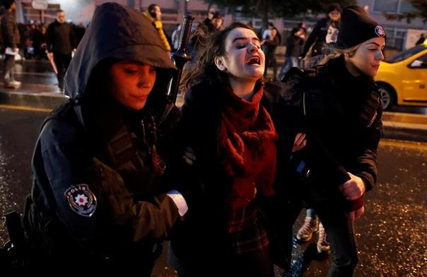 президент Турции Реджеп Эрдоган активно отрицает идею о том, что женщина и мужчина должны иметь равные позиции в обществе Идею гендерного равноправия он называет противоречащей природе.
