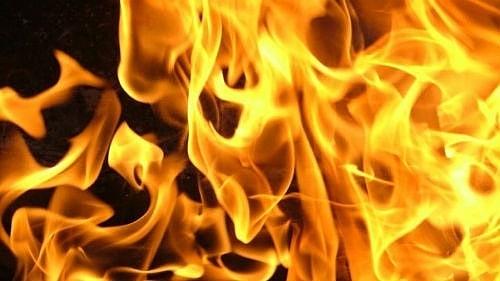 В Петровске, в гараже на улице Куйбышева, сгорел автомобиль