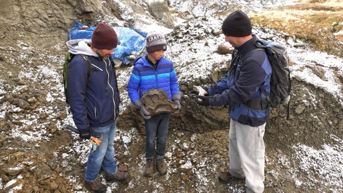 12-летний канадец пошёл в поход с отцом — и нашёл скелет редкого динозавра возрастом 69
