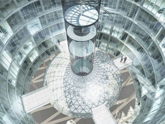проект Несвкая Ратуша стартовал еще в 2007 году, когда «Евгений Герасимов и партнеры» и nps tchoban voss выиграли международный конкурс на проектирование нового «дома» для администрации города.