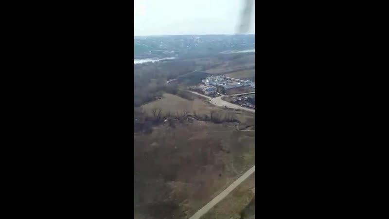Над Каширой и Ступино пролетел вертолет с иконой и песнепениями