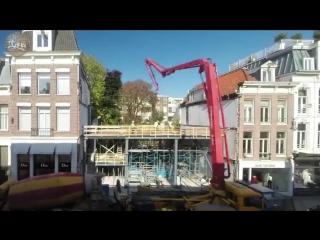 В Амстердаме построили оригинальное здание из стекла - кирпича, который прочнее, чем бетон.