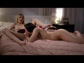 Whitney Wright and Mackenzie Moss - I See You - Porno, Lesbian