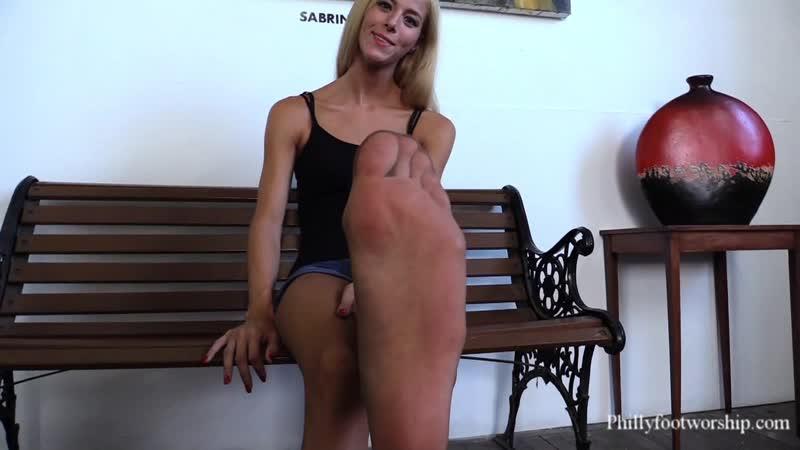 Heidis feet in sheer stockings Foot fetish Long