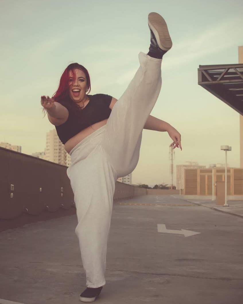 Танцовщица весом более 100 кг не сдается и идет к своей мечте, удивительная