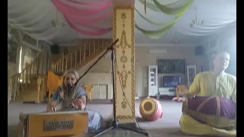 Киртан Гаура арати и Даршан Шри Шри Радха Говинды 28 05 2020