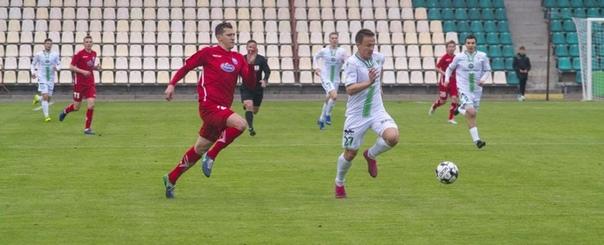 На футболе в Пинске не обошлось без удаления главного тренера