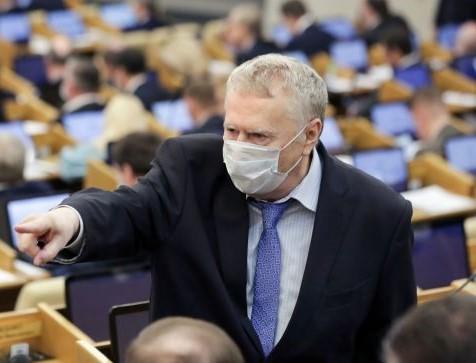 Жириновский предложил ограничить въезд мигрантов в Россию после пандемии Из-за коронавируса из России уехало много трудовых мигрантов. В перспективе нужно ограничить их возвращение в Россию, -