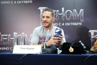 Том-Харди - пресс-конференция в Москве