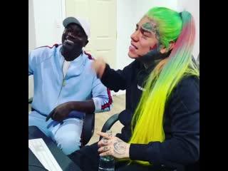 Отрывок нового трека 6ix9ine и Akon под названием «Locked Up» (Part 2)